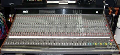 mackie 24x8x2 8 bus mixing console manual